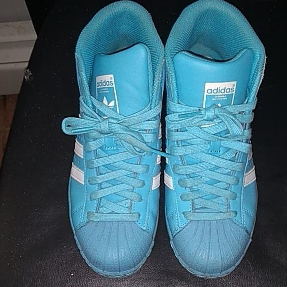 pretty nice 706fe 58c7e Baby blue shell toe adidas high top